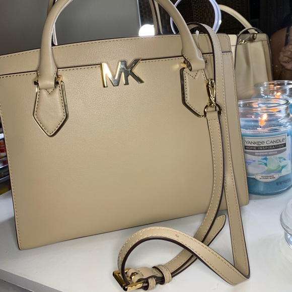 Michael Kors Handbag, Michael Kors crossbody